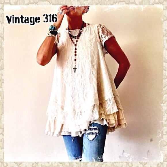 Beautiful Ecru Vintage Lace Collar Great Addition to your Bohemian Style Wardrobe